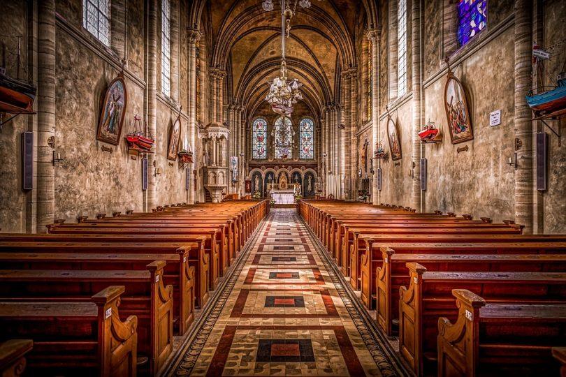 Interior catedral missa