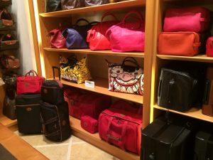Bosses de la marca Longchamp a una de les seves botigues