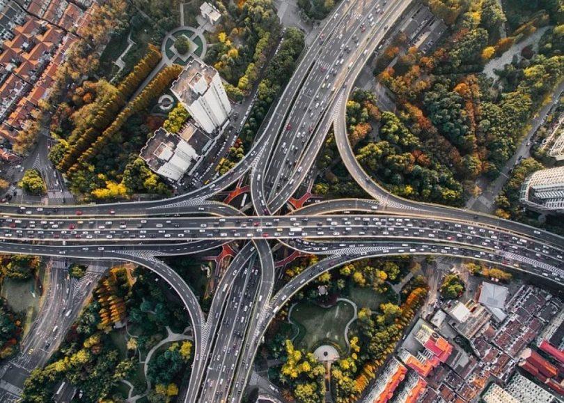 Imatge aèria de la vegetació a una ciutat