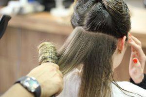 Dona a la perruqueria