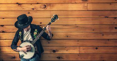Home tocant el banjo.