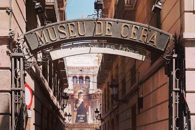 Barcelona has a lot of museums  Which one ishellip