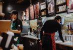 Treballadors a una cafetería