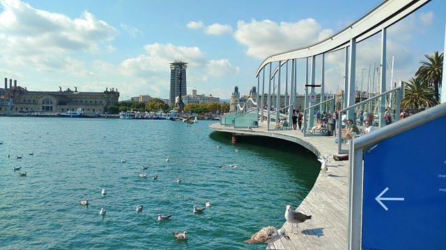 Dia solejat al Port de Barcelona.