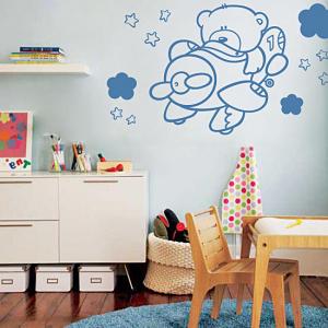 Vinils infantils decorant una habitació