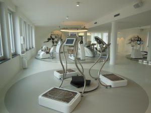 Màquines de cardio a una sala