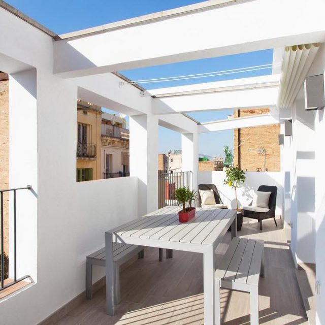Take a look to this modern and beautiful terrace shbarcelonahellip