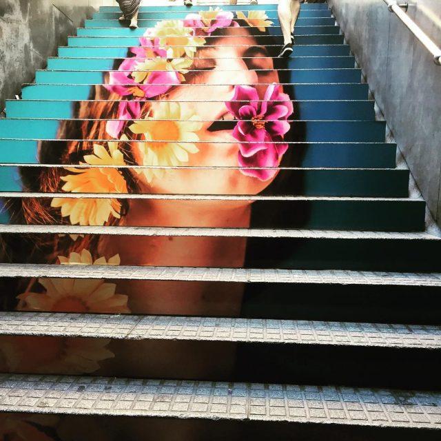 Arte contemporneo y diseo en las escaleras del Metro dehellip