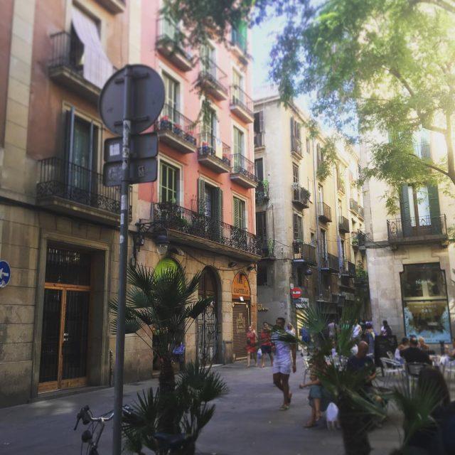 Una calle en Barcelona bcn barcelona barcelonagram barcelonalife barcelonacity photoofthedayhellip