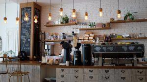 Cafè amb decoració moderna