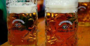 Dues gerres de cervesa alemanya