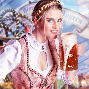 Noia portant un vestit típic de l'Oktoberfest