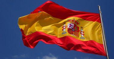 Bandera onejant d'Espanya