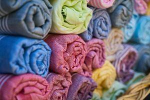 Teixits de diferents colors i textures