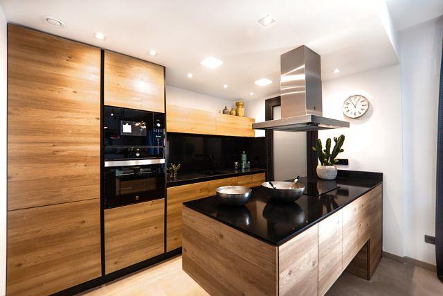 Imatge de la cuina d'un apartament nou