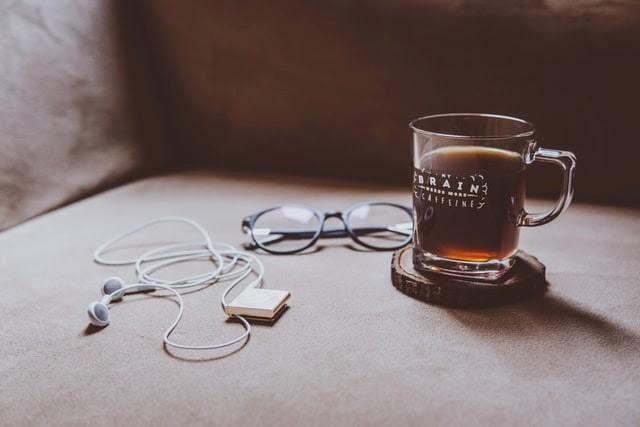 tassa, ulleres i auriculars